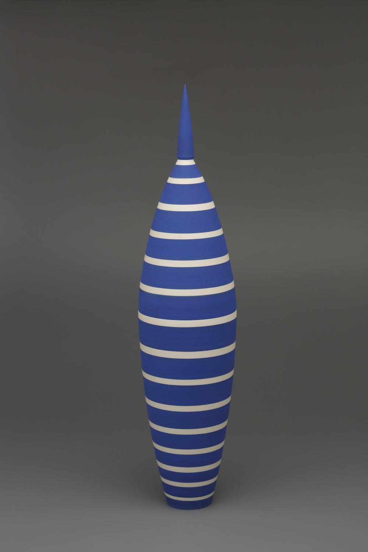 Roseline Delisle, Fusiforme 4, 1991, earthenware, 12 x 12 x 56.5 cm