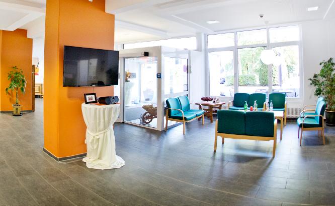 Treffpunkte: Sitzgruppen für Bewohner und Besucher