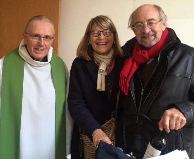 Vicaire et Paroissiens à Neuilly (92)