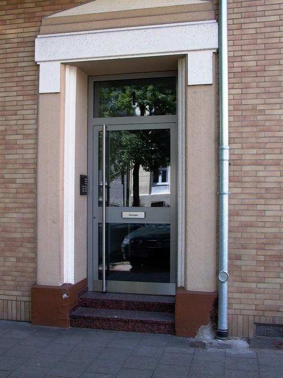 Aluminum Haustür mit einem Briefschlitz für Zeitungen und Werbung