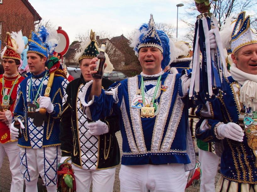 18                                     Karnevals-Prinz in Ahlintel