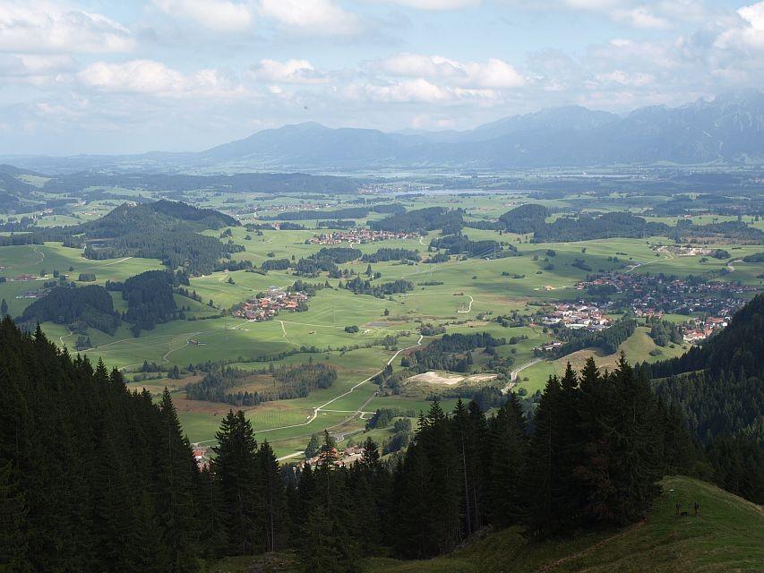 herrlicher Blick auf Hopfen- und Forgensee und Ammergauer Berge
