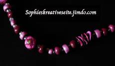 Kette bordeauxrot mit Stiefmütterchen Perlen 2