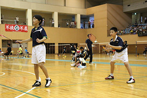 優勝した松本(左)・杉本ペア(大泉JBC)