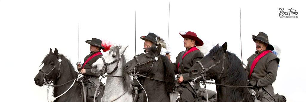 RossFoto Dana Krimmling Meisterschaft Kavallerieverband 2013, pferdefotografie, fotografie, wanderreiten, jagdreiten, schleppjagd, kavallerie, kavalleriereiten, reenactment, napoleonik, kaiserzeit, mittelalter, renaissance, murgese, junginger