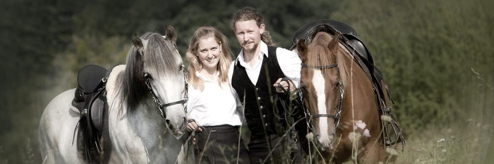 rossfoto, dana, krimmling, pferdefotografie, fotografie, wanderreiten, westernreiten, jagdreiten, kavallerie, kavalleriereiten, reenactment, freizeitreiten, ausreiten, reiten, freiberger pferde, reiterhochzeit, hochzeit hoch zu ross
