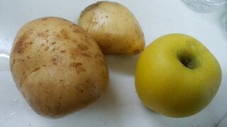 リンゴよりも大きなジャガイモ。