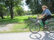 自転車で移動するアーミッシュ