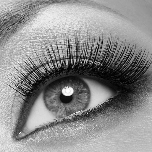 Auge schwarzweiss und farbig