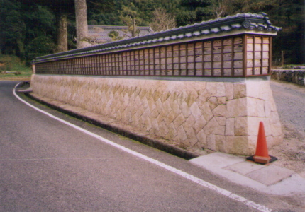美祢市 個人宅 中国産 御影石(サビ石)_08