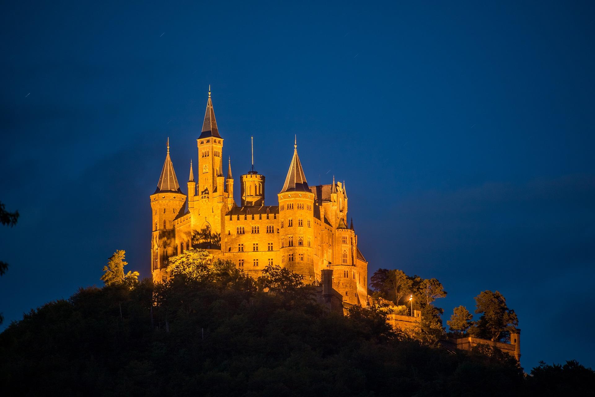 Schloss Hohenzollern am Abend
