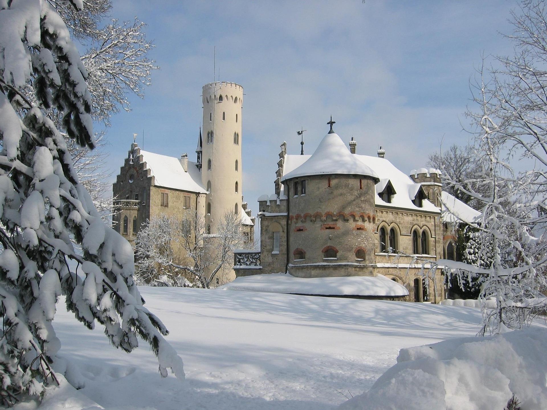 Schloss Lichtenstein im Schnee