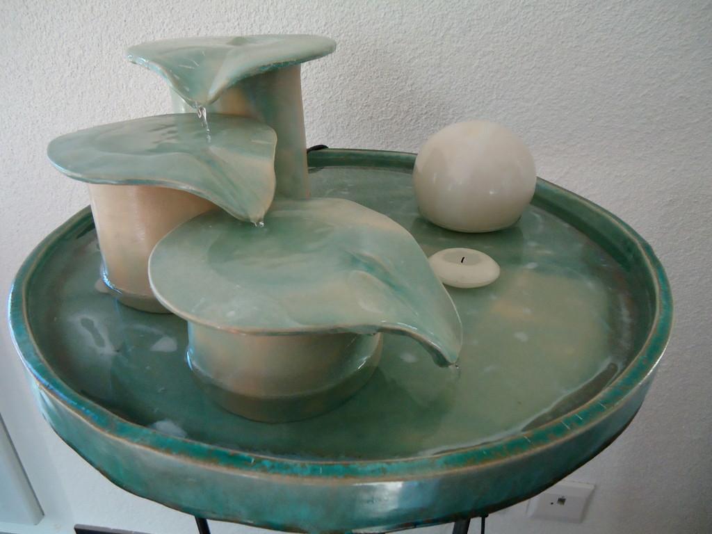 120)Wasserspiel-Drei Krüge, Verkauft