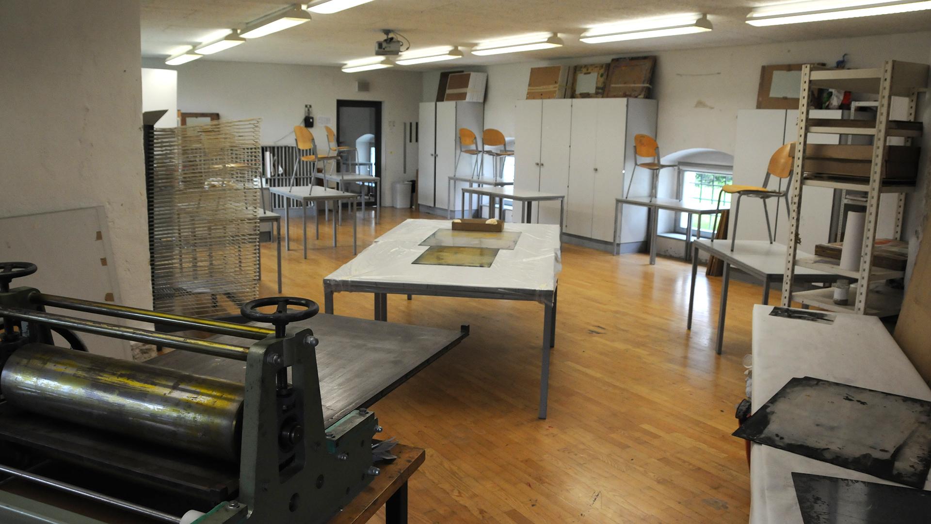 Zeichensaal eins mit großer Tiefdruckpresse