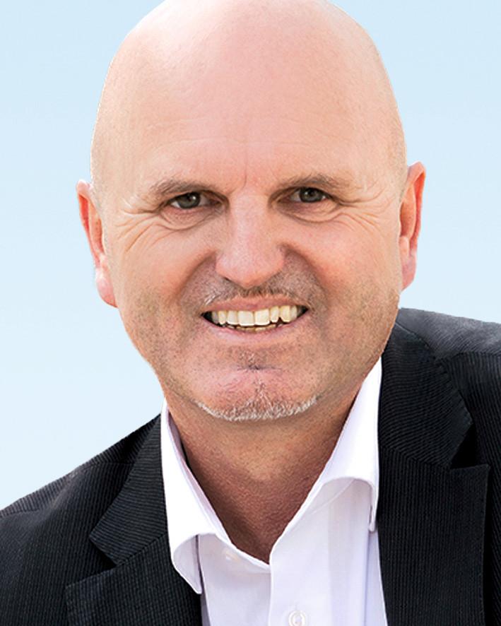 11 Andreas Jakob, Dipl.-Verwaltungswirt, Ruhstorf a. d. Rott
