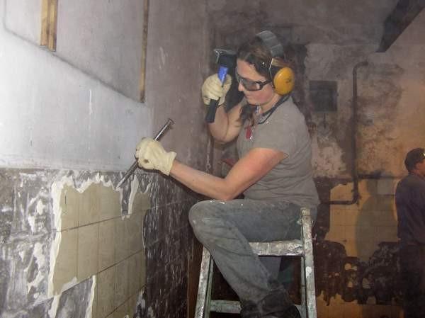 Beispiel Fledermausbunker - hier wird ein alter Bunker zum Winterquartier umgebaut