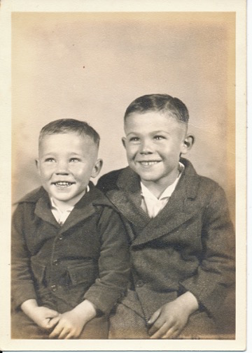 Ralph and little brother Zack Banks, ca. 1945 (Photo courtesy of Sue Banks Bolin)