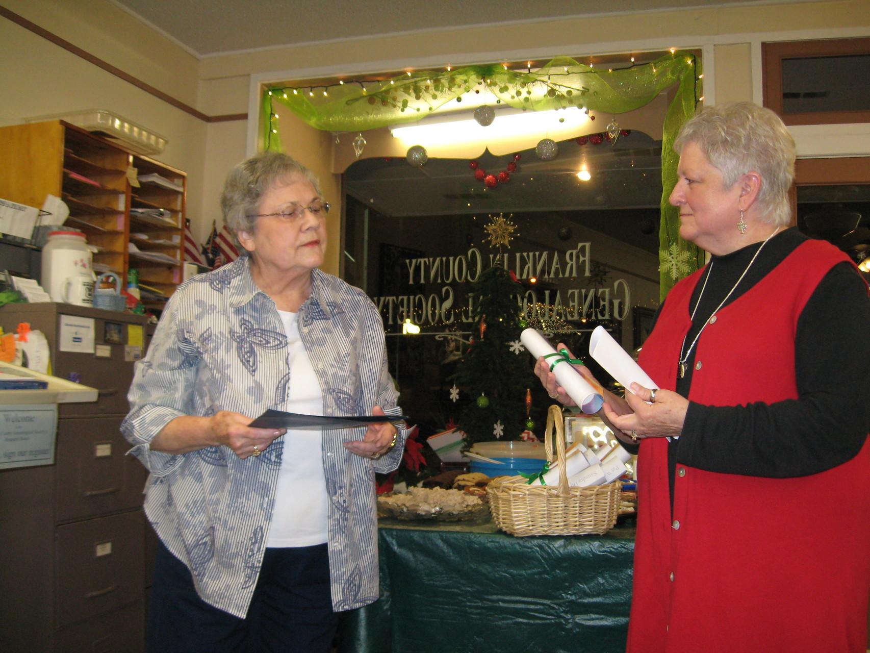 Kirleen installs President Linda Bryan for 2016