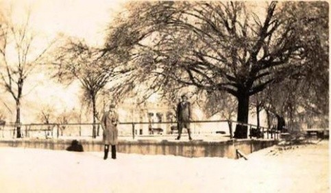 Mt. Vernon Square, late 1920's or early 1930's (Photo by Jim Stringer, courtesy of John Hicks)
