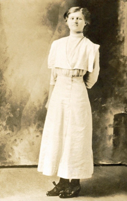 "Bertha E. PIERCE, circa 1910. Born Feb 1895, Franklin Co., TX, married and divorced ""Mac"" Isaac Thomas PHILLIPS (her 2nd husband not yet found, burial not yet found). She most likely lived in or around Wichita Falls, TX after leaving Franklin Co."