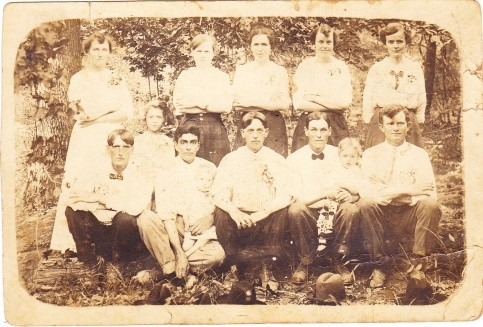 Newkirk and Hocutt families, many who are buried at Bethel. Please help identifying individuals. Submitted by Mari Spacek.