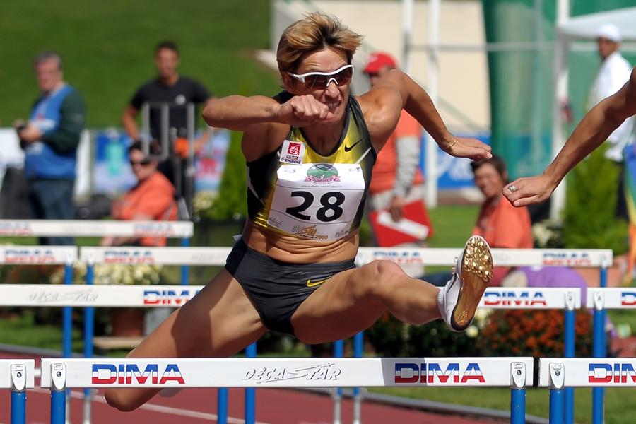 Marie Colonvillé et sa sport attitude 100m haies du Décastar 2010