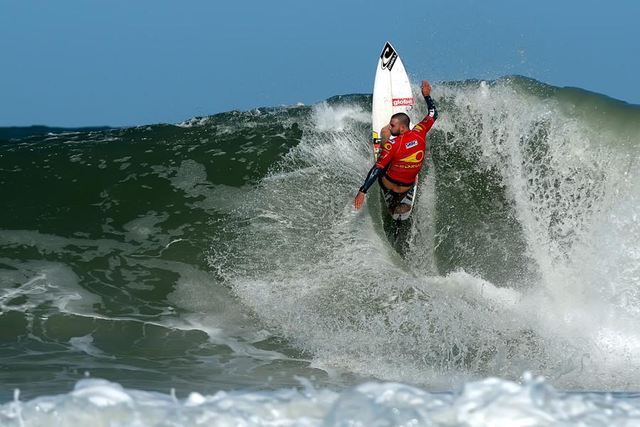 Surf control - Dion Atckinson Sooruz Lacanau pro 2009