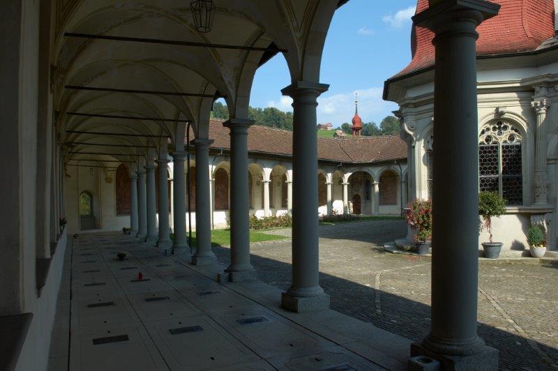 Der Hallenumgang mit der Wendelinskapelle
