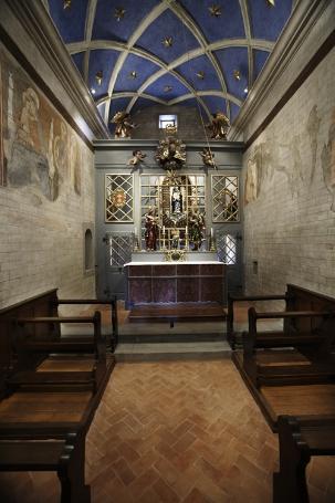 Das Innere der Loretokapelle mit der Schwarzen Madonna