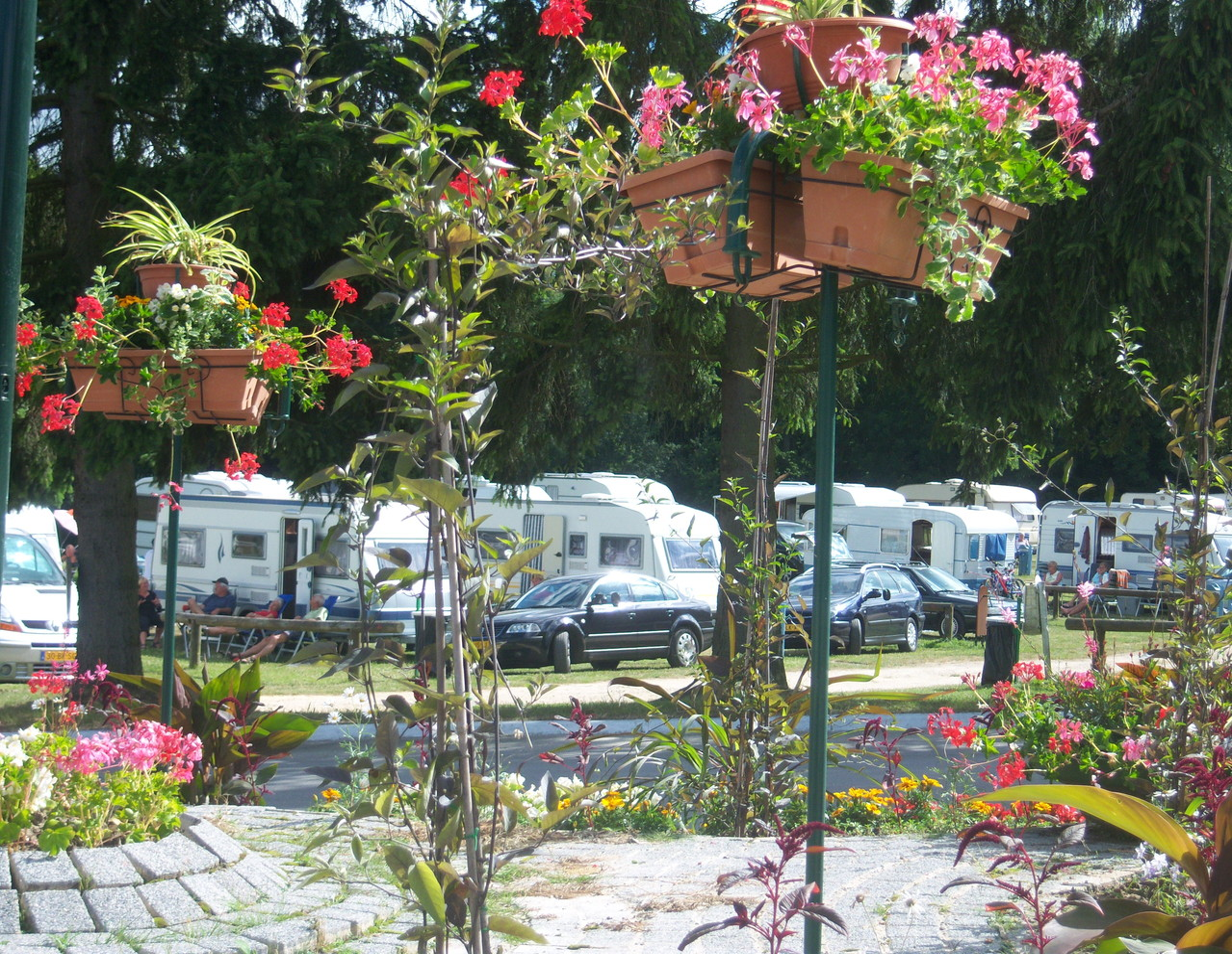 Plan du site camping les petits pr s de dourdan situ for Piscine dourdan