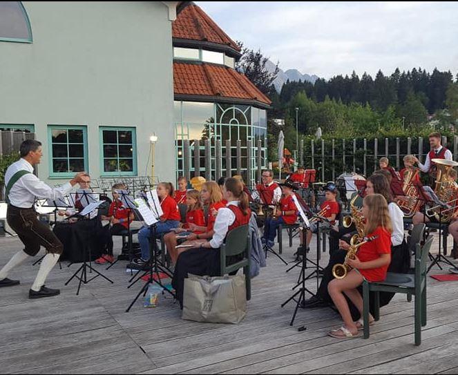 Young Stars, Max-Kerber-Platz Breitenwang