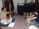 シタール・イスラジ奏者中村仁のアメリカ・日本での経歴