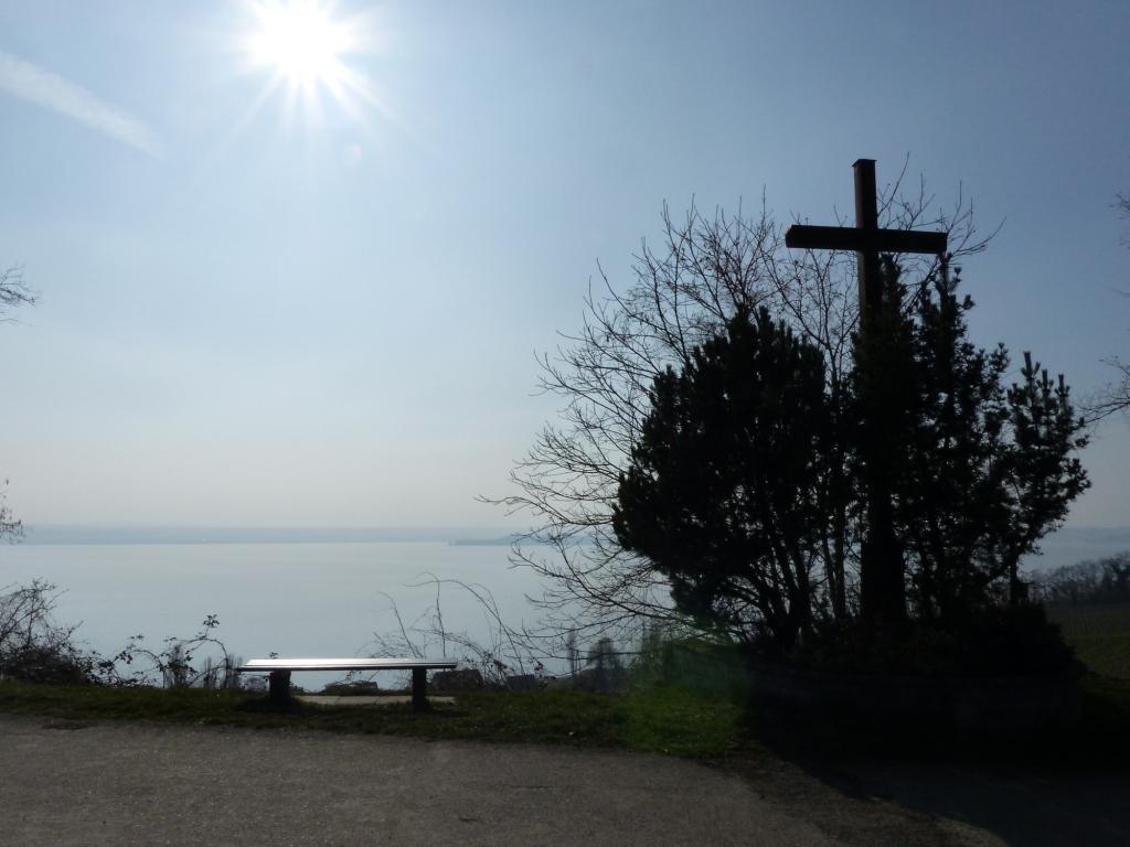 """Aussichtspunkt """"Wetterkreuz"""" zwischen Meersburg und Hagnau"""