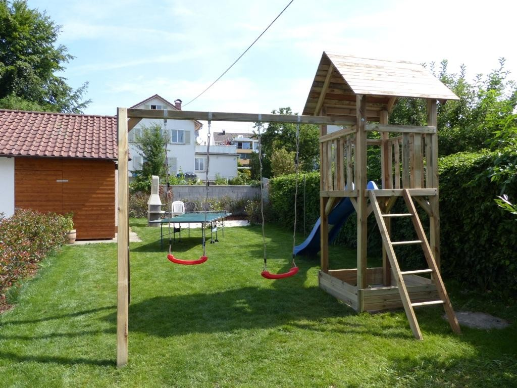 gemeinschaftlicher Garten mit Spielplatz