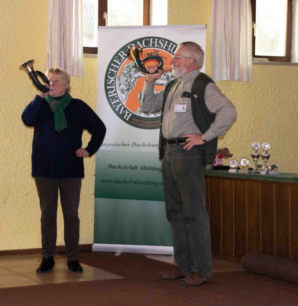 Eröffnung mit dem Jagdhorn