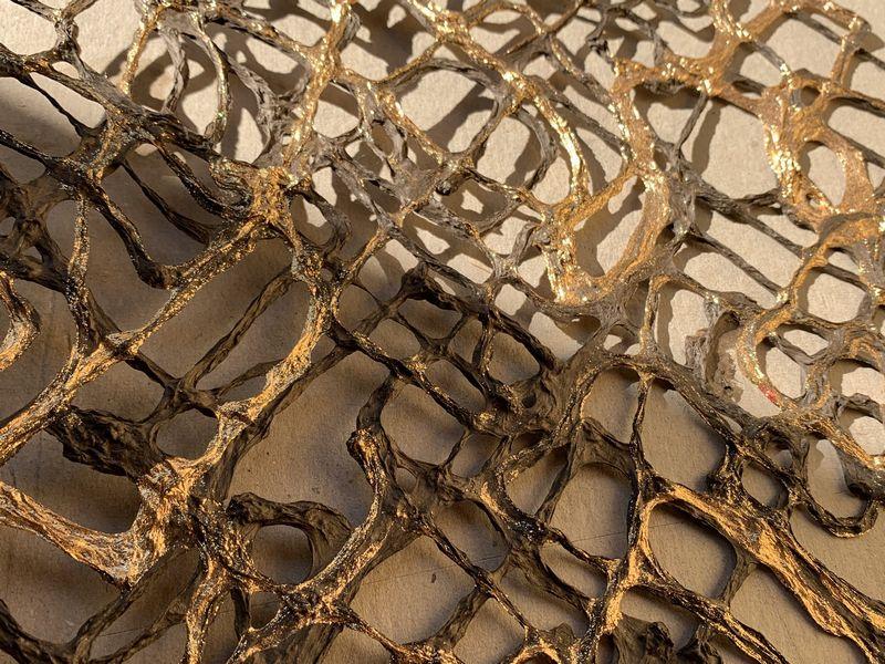 原料の素材感が特徴であるインテリア用の手漉き和紙