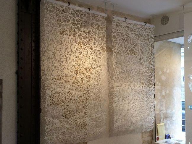 襖紙を漉く際の表現技法を生かして大判和紙を別注で作製しました