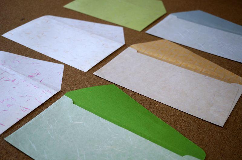 和紙を使った洋形長3号封筒の袋部分の大きさは縦120ミリ、横235ミリ、カマスは変形になります