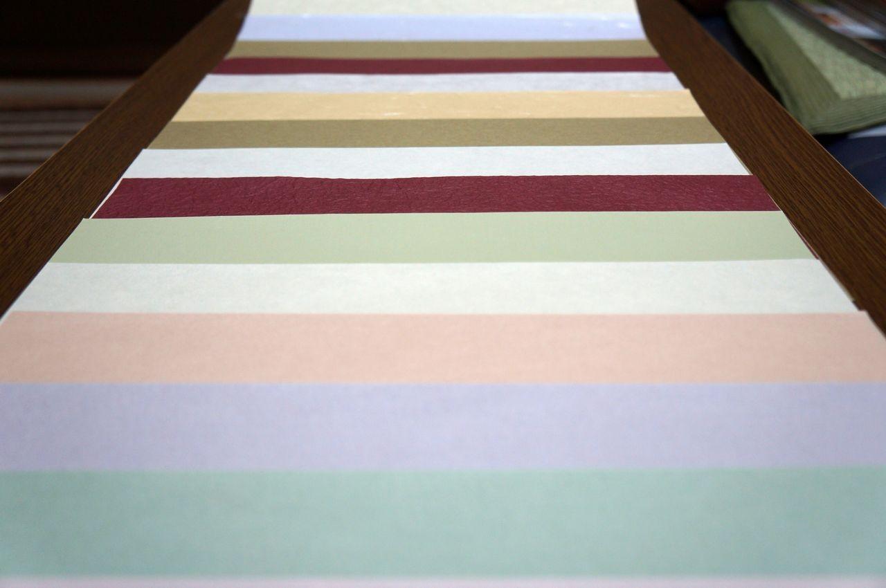 様々な紙色と素材感が特徴の無地の和紙をアソートのセットにしました