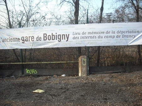 Banderole gare de Bobigny.