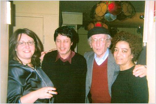 (de droite à gauche) Annie Paule DERCZANSKY présidente - un invité - Lucien LAZARE yad vashem - Hacinia actrice-film.