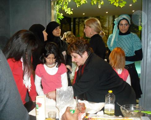FARIDA KADY ET LORIE dim 25 oct 2009 inauguration pour 19eme arrondissement atelier pâtisseries orientale.