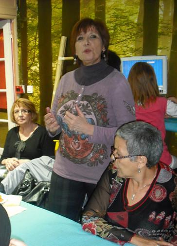 LORIE Boutboul la patronne de l'atelier de pâtisserie orientale Nelly et Nadira toutes les 3 venues de Créteil pour animer l'inauguration.