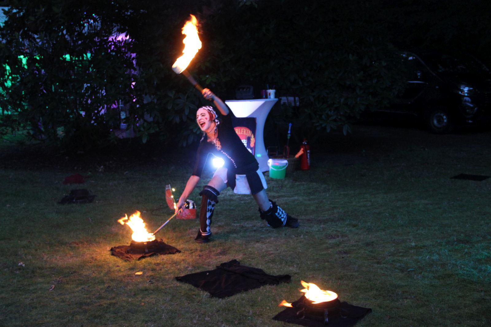 Zirkus Feuershow in Itzehoe zur Firmenfeier