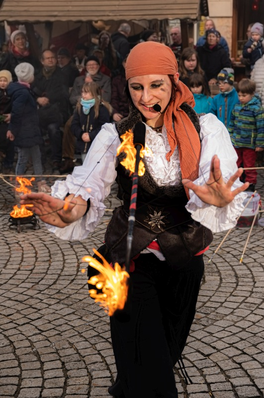 Piraten-Feuershow in Kiel 2020