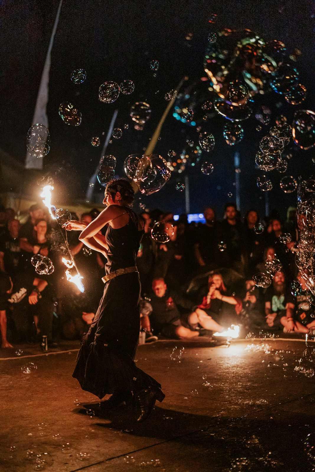 Feuershow mit Seifenblasen in Hildesheim, M'era Luna Festival 2019, Foto: Robin Schmiedebach