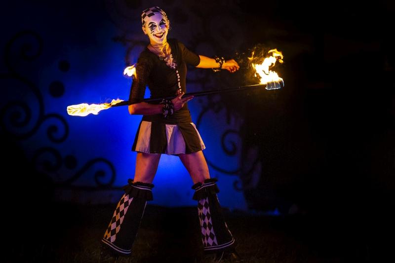 Zirkus Feuertanz mit Harlekina zum Mittelalterlichen Phantasie Spectaculum bei Hamburg Foto: Jens Arndt