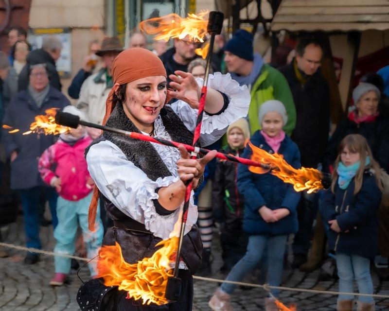Piraten-Feuershow zum Kieler Umschlag 2020