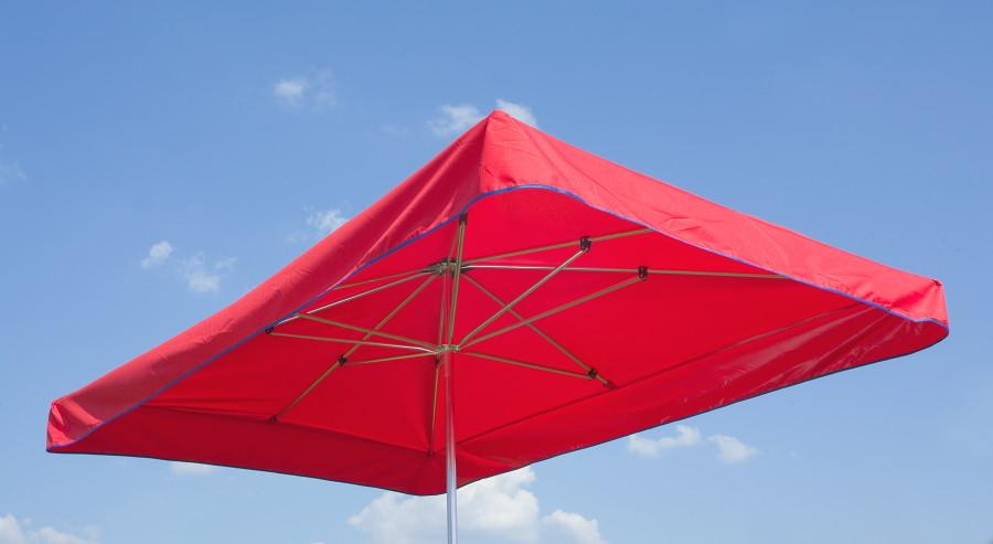 Vierkant Schirme in verschiedenen Größen und Farben