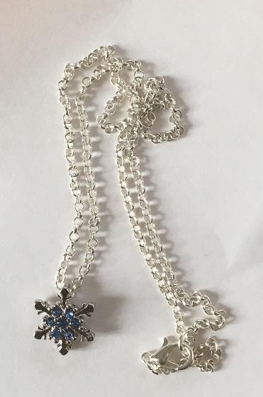 Schneeflockenkette (Modeschmuck) von Giuli's Needful Things
